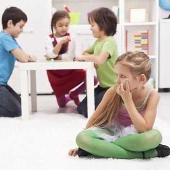 Cómo tratar los problemas de habilidades sociales en los niños