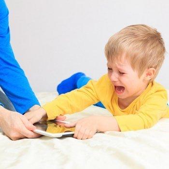 Consejos para padres de niños adictos a la tablet