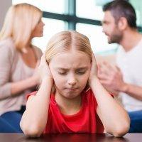 Cuando los padres discuten frente a los hijos