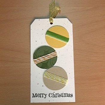 Postal con bolas navideñas