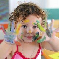 Manualidades para niños con distintos materiales