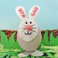 Conejo de Pascua. Manualidades infantiles con huevos