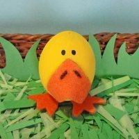 Patito travieso. Manualidades infantiles con huevos