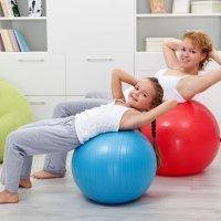 La espalda de los niños: ejercicios para corregir posturas