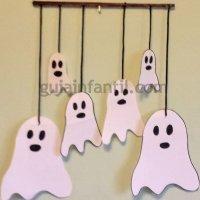 Móvil de fantasmas para Halloween. Manualidades