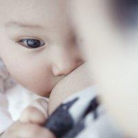 Lactancia materna y lactancia artificial: ventajas y desventajas