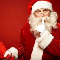Papá Noel: un viejecito de traje rojo y barba blanca con muchos nombres