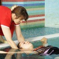 Masaje musical en el agua para embarazadas