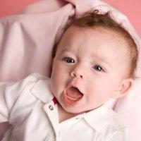 El lenguaje del bebé: del balbuceo a las primeras palabras