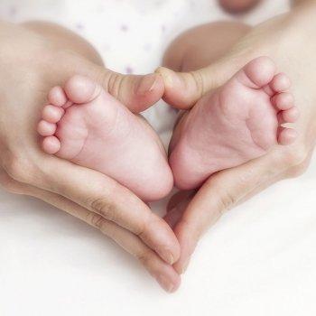 Los pies de los bebés