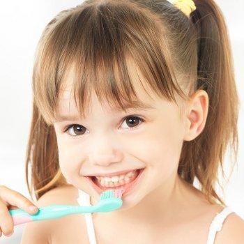 Los dientes de niños y bebés