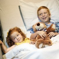 Niño con hermano hospitalizado