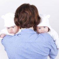 Después del parto múltiple. Ir a casa con dos bebés