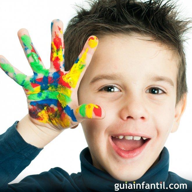 Manualidades para niños con huellas de manos y pies