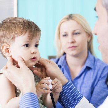 Cómo llega el enterovirus al sistema nervioso de los niños