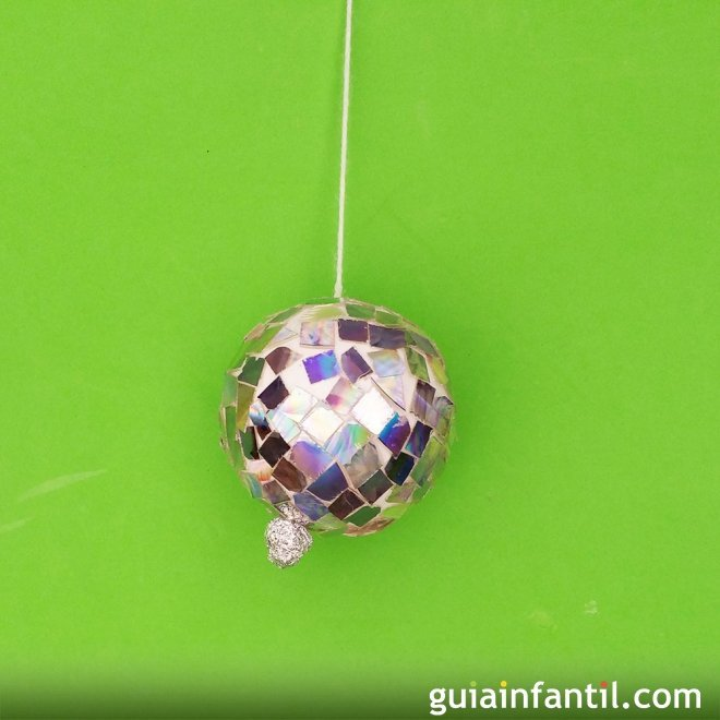 Bola de discoteca con cds manualidades de reciclaje - Bola de discoteca de colores ...