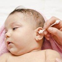 7 trucos para eliminar el exceso de cera del oído de los niños