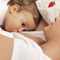 Beneficios de la lactancia materna prolongada para los bebés