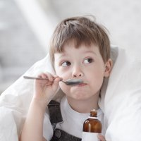 Cómo tratar con medicinas el ardor de estómago de los niños