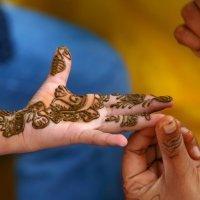 Los riesgos de los tatuajes de henna para niños