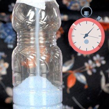 Reloj de arena con botellas de plástico. Manualidad para niños