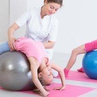 Cómo se tratan las lesiones de espalda en la infancia