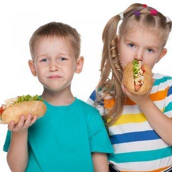 Diez alimentos a evitar en niños con problemas de digestión