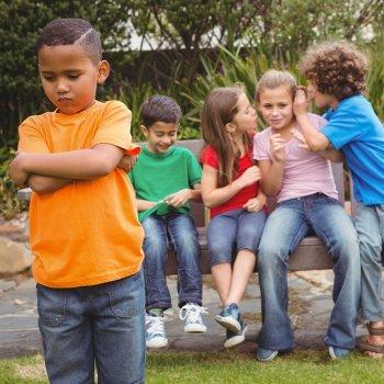 Cómo puedo evitar que intimiden a mi hijo