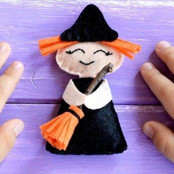 Muñeca de bruja. Manualidades con fieltro para Halloween