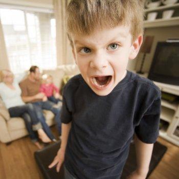Cómo canalizar la ira en los niños
