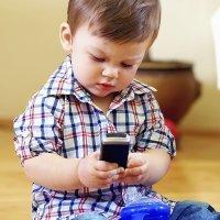 El teléfono móvil no es ni debe ser un juguete para los niños