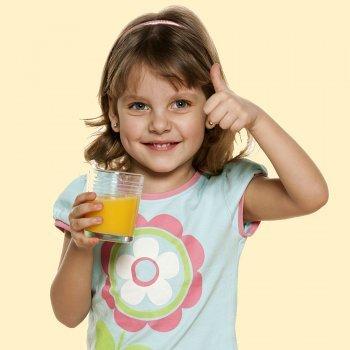 Contra la gripe más zumos de frutas para los niños