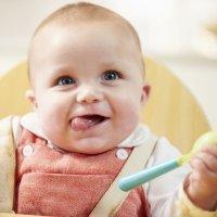Cómo introducir las papillas en la alimentación del bebé