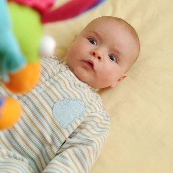 Cómo estimular la visión del bebé