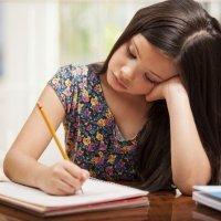 Correcta posición para que los niños escriban