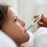 Remedios caseros contra la fiebre de los niños