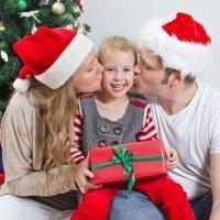 Regala besos a los niños en Navidad