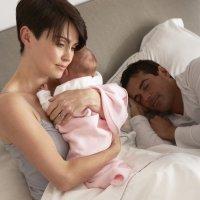 Quién se despierta antes por el llanto de su bebé