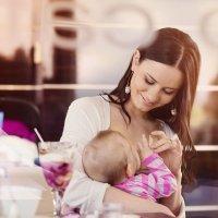 Dar de mamar en público es natural
