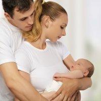 Cómo se coge a un recién nacido