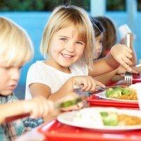 Comer en el colegio reduce la obesidad infantil