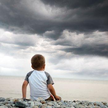Proteger a los niños de las tormentas eléctricas