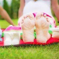 Por qué crecen los pies en el embarazo