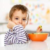 4 de cada 10 niños desayunan solos