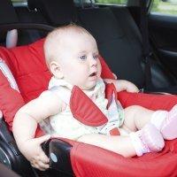 Coloca bien la silla del bebé en el coche