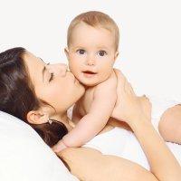 Abraza y besa a tu bebé, es más que saludable