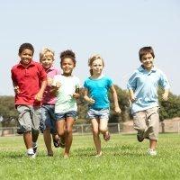 Niños deportistas sacan mejores notas escolares