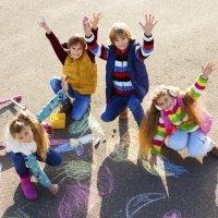 Jugar en la calle, lo mejor del verano para los niños