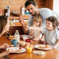 El esfuerzo de los padres por sacar a los hijos adelante
