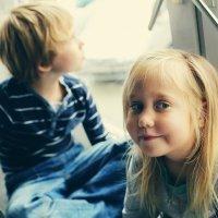 Una niña habla del autismo de su hermanito
